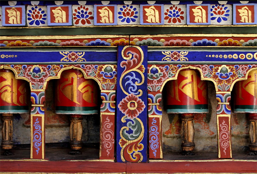 02_prayer_wheels_bhutan_w.jpg