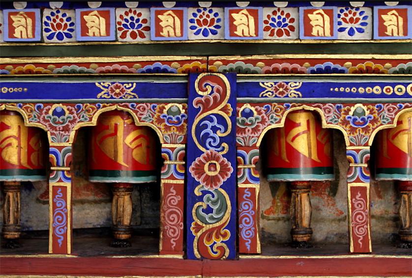 02_prayer_wheels_bhutan_w.jpg