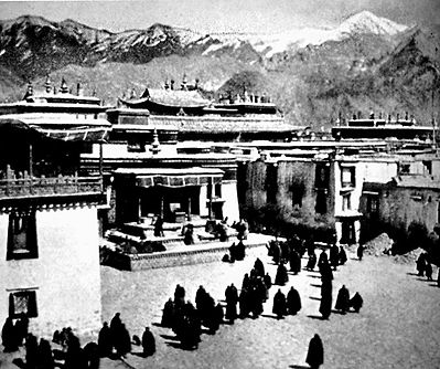 17_1940_Jokhang_Hugh-Richardson.jpg