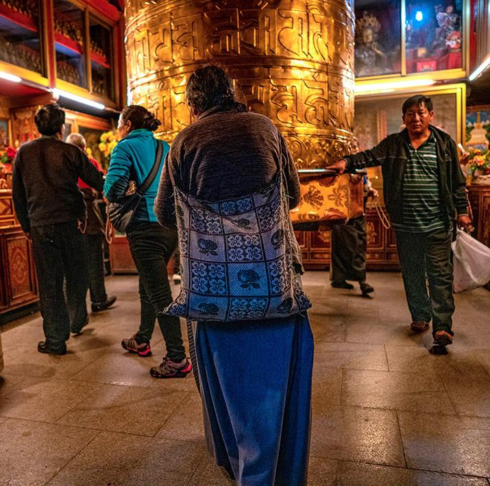 09_Prayer_Wheel_Lhasa_Barkor_C04853w.jpg