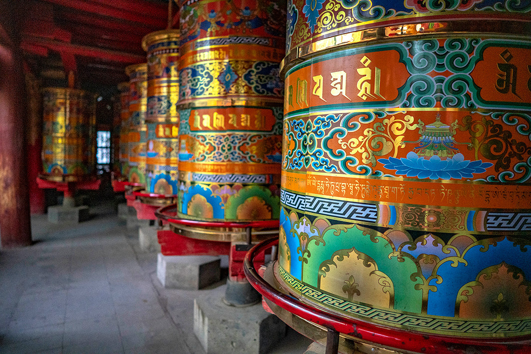 10_prayer_wheels_Kham_8382w.jpg