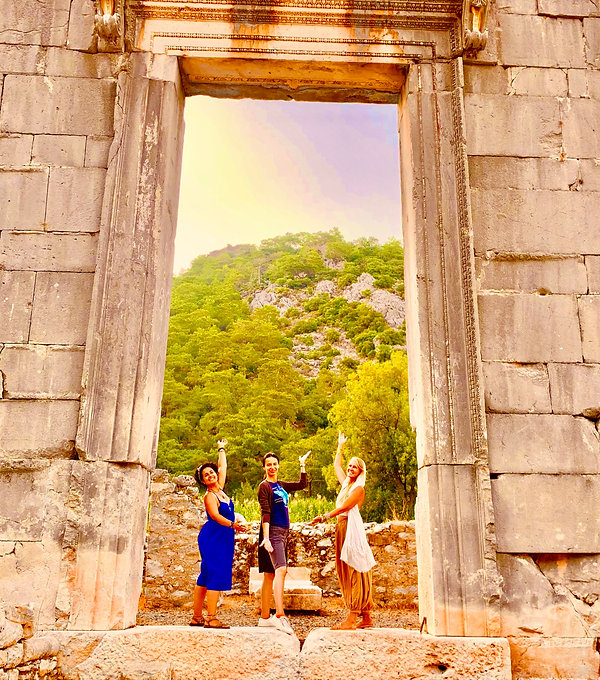 Light Priestess Temple. Greece retreat sisterhood of Ra. The SunGoddessqueen codes. Ancient Greek, Priestess and Goddess Lineage. In-person and online. Divine feminine and sisterhood community