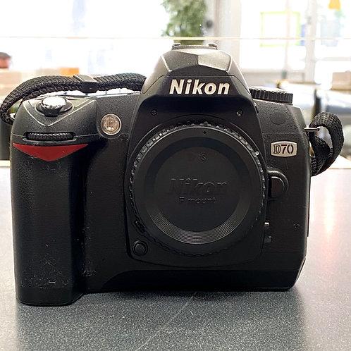 Nikon D70S 6.1MP Digital SLR Camera Body