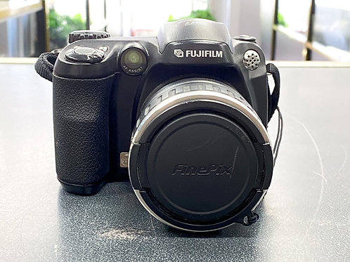Fujifilm Finepix S5200 Digital Camera