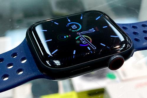 Apple Watch Series 5 44mm GPS & LTE - Space Gray Aluminum Case