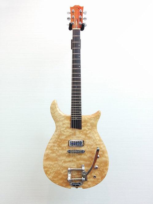 Basone Custom Made Electric Guitar + Soft Case (EXC.)