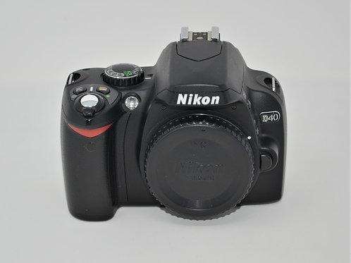 Nikon D40 6.1MP Digital SLR Camera Body