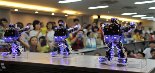 UXA-90 robot dance-3