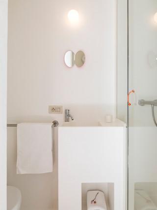 studiomie_one_room_hotel_lowres_3.jpg