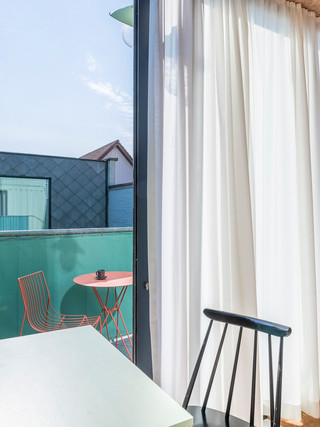 studiomie_one_room_hotel_lowres_11.jpg