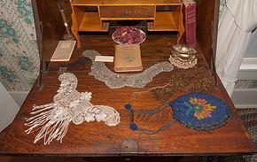 15. Nincehelser Bedroom 4 Writing Desk 2