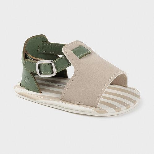 Sandalias recién
