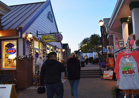 The Grand Village In Branson Is A Great Holiday Shopping Destination.