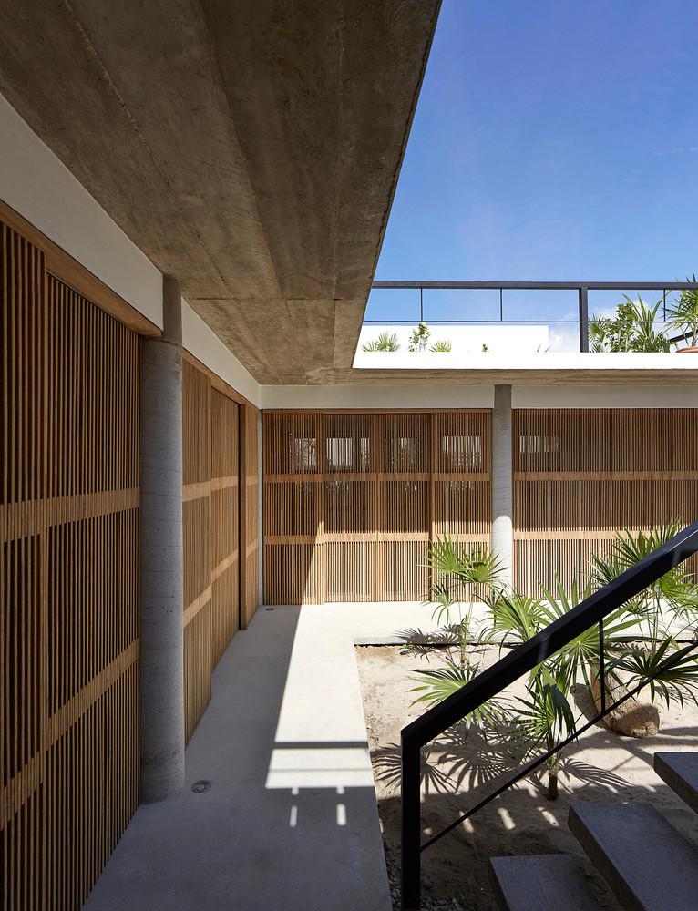 Casa Cal Corridor