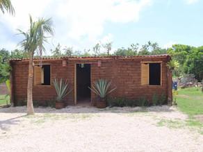 Casa hecha a base de sargazo