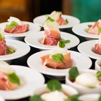Darf es vielleicht etwas Parmaschinken mit Melone sein? Unsere Catering-Partner verwöhnen Sie auf Ihrer Firmenreise in Italien   Incentives in Italien