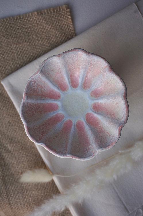 Bellis Bowl in Salmon Oat