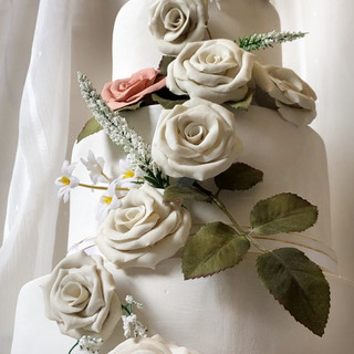 Porcelain and Pink Wedding Cake