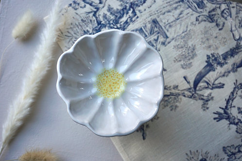 Bellis Bowl in Snow and Yellow