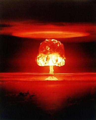 atomic-bomb-1011738_1280.jpg