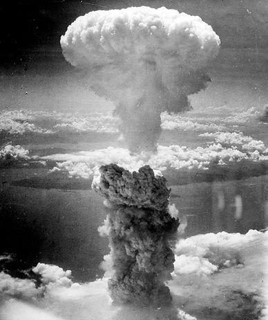 mushroom-cloud-67534_1920.jpg