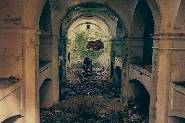 bombed-932108_1920.jpg
