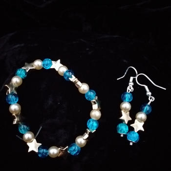 Bracelet and earrings set