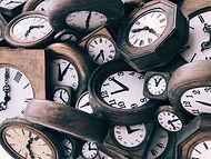 Orologi in legno vintage
