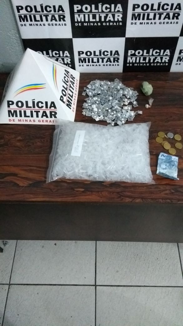 Polícia Militar prende autor por tráfico de drogas no bairro Pio Doze