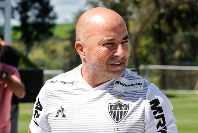 Sampaoli apoia corte salarial no Atlético: 'Momento de entender o que está acontecendo e colaborar'