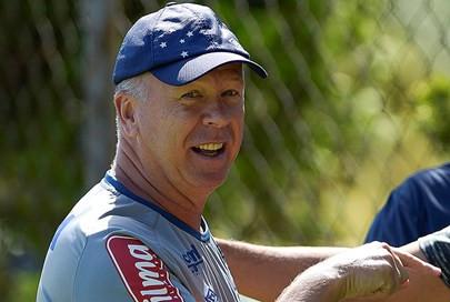 Perto do primeiro título pelo Cruzeiro, Mano completará 100 jogos no comando da equipe
