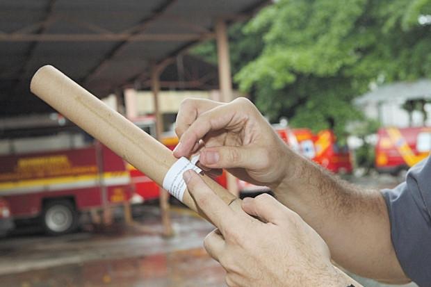 Funcionário morre em incêndio em fábrica de fogos em Pedra do Indaiá