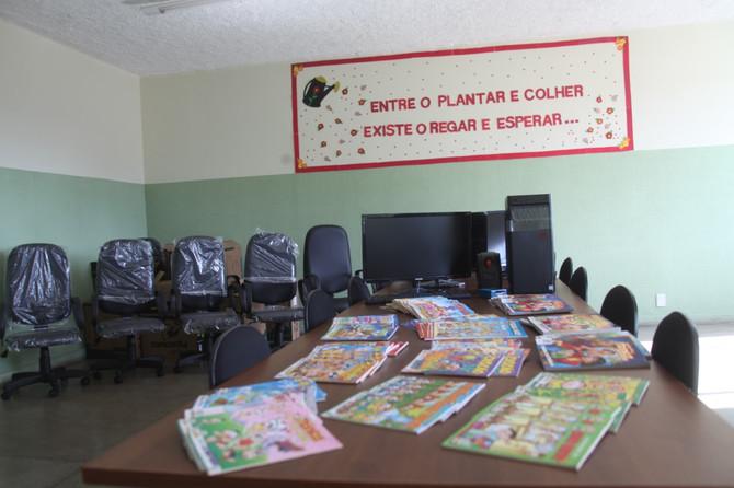 Secretaria de Educação entrega Gibiteca a escolas da rede municipal