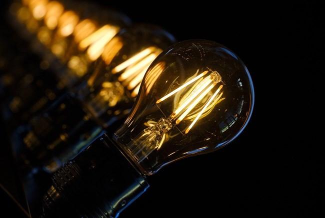 Aneel prorroga medidas para garantir o fornecimento de energia para consumidores de baixa renda