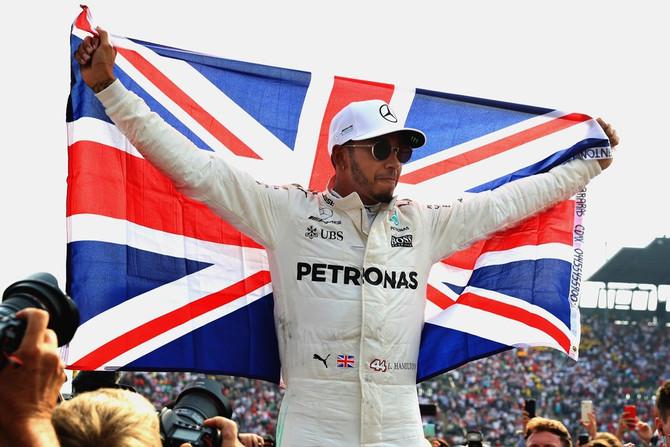 'Este foi o título mais difícil da Mercedes', diz chefe de Hamilton após o tetracampeonato