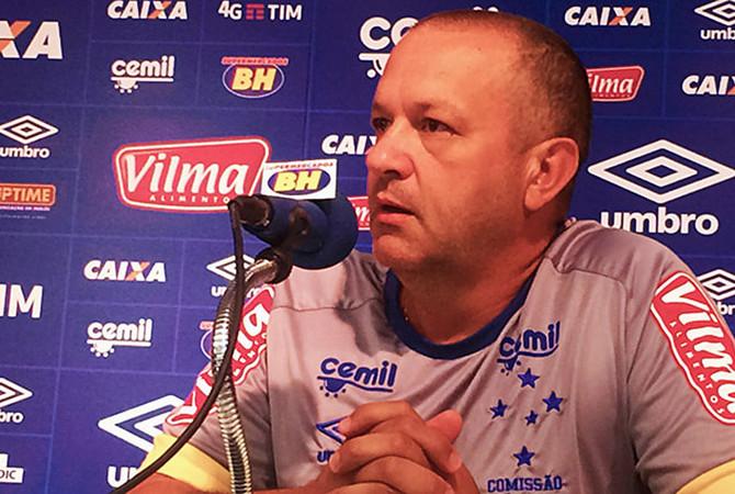 Auxiliar técnico da comissão fixa aceita convite e Cruzeiro perde outro para Palmeiras