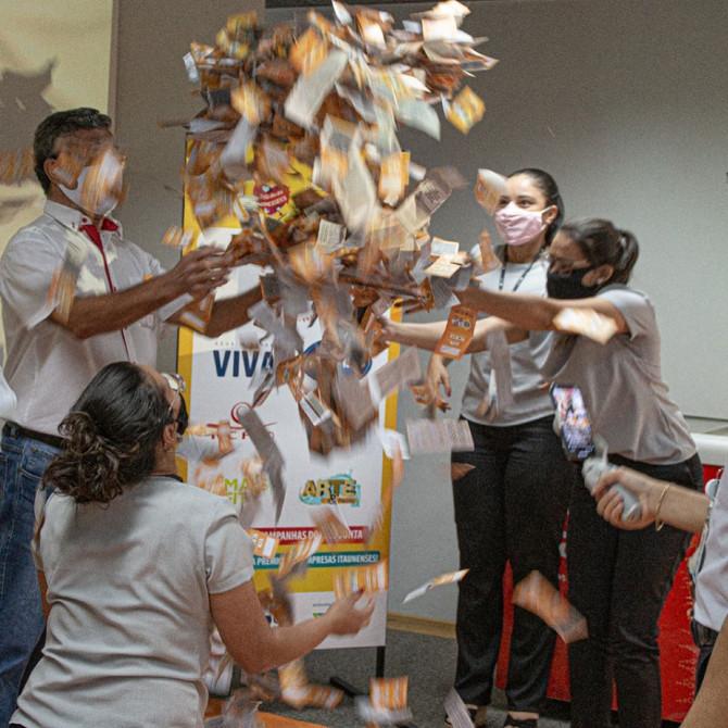 CDL e ACE realizam sorteio do Dia dos Namorados em parceria com várias empresas locais