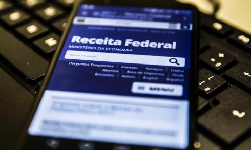 Receita paga nesta sexta-feira R$ 5,7 bilhões em restituição de Imposto de Renda