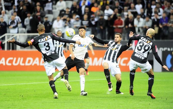 Após quebrar três tabus neste ano, Atlético tenta vencer pela 1ª vez na Arena Corinthians