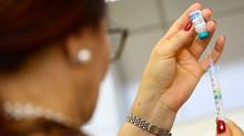 Romeu Zema confirma que vacinação contra a covid-19 em Minas começa na semana que vem