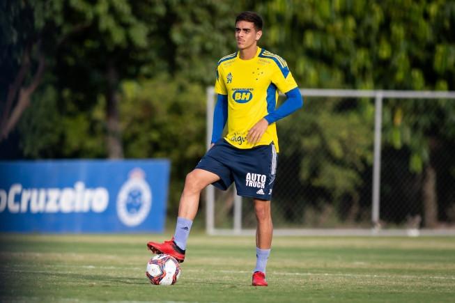 Sem Joseph, zagueiro Weverton pode reaparecer no time contra o Juazeirense-BA pela Copa do Brasil