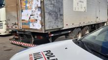 Caminhão com carga de calçados avaliada em R$ 400 mil é recuperado na BR-352, em Pará de Minas