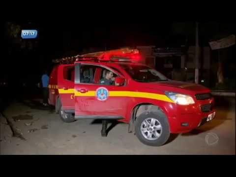 Bombeiros salvam bebê durante enchente em Nova Serrana