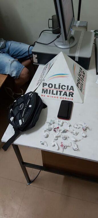 Dupla é presa por tráfico de drogas