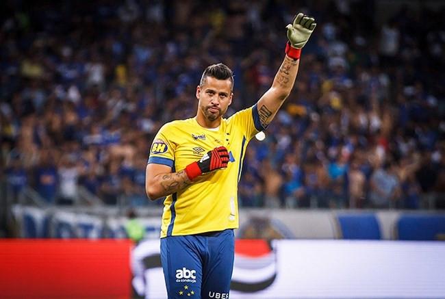Cruzeiro tem conversa adiantada para renovar com goleiro Fábio até dezembro de 2020