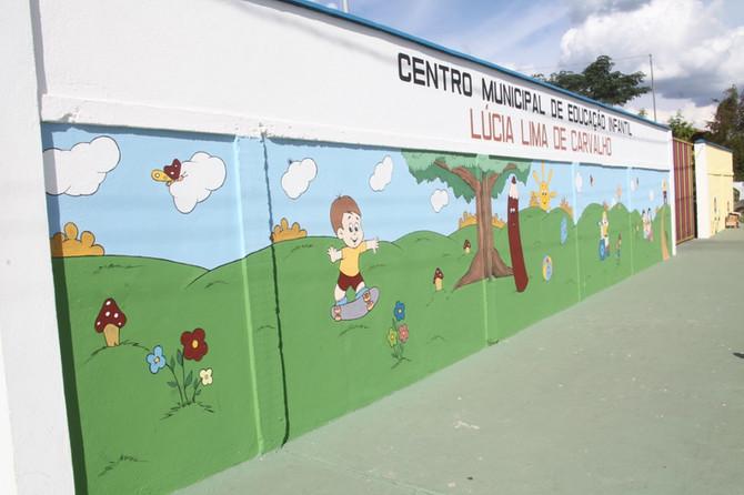 Prefeitura entrega à comunidade melhorias na creche do Aeroporto