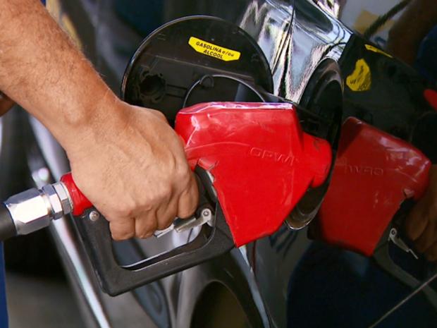 Estado eleva base de cálculo de ICMS e encarece a gasolina
