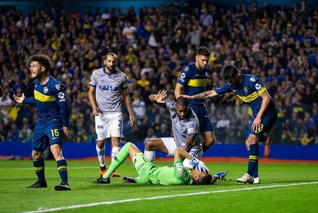 Conmebol anula cartão vermelho e Dedé está liberado para jogar contra o Boca Juniors