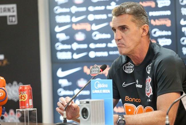 Irritado após derrota para o América, Mancini aponta mudanças no Corinthians: 'Não vou assistir pass