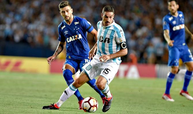 Em jogo de seis gols, Cruzeiro perde para o Racing na estreia pela Libertadores 2018